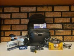 Sony HandyCam Vision CCD TRV318 Hi8 Camcorder & Accessories.