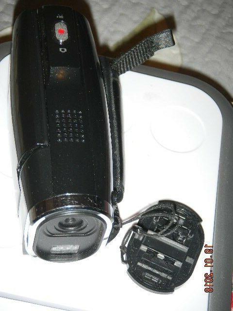 "Vivitar 2.7"" 4X Zoom Black"