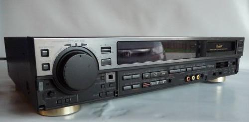 Sony EV-S550 Video8 8mm Video Cassette Player /