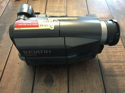 Hitachi VM-E625LA 8mm Video Camcorder with Charger, Battery
